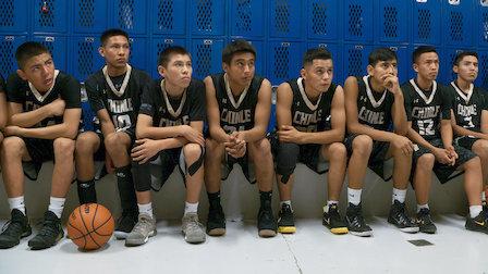 觀賞北美原住民籃球。第 1 季第 1 集。